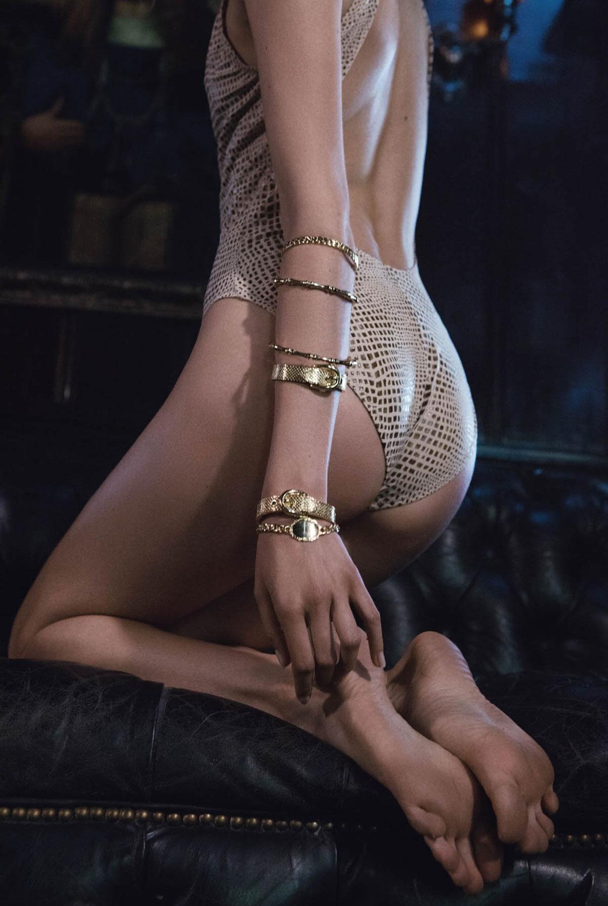 Жужу Иванюк в рекламной кампании одежды и драгоценностей модного бренда Vanessa Mooney / фото 05