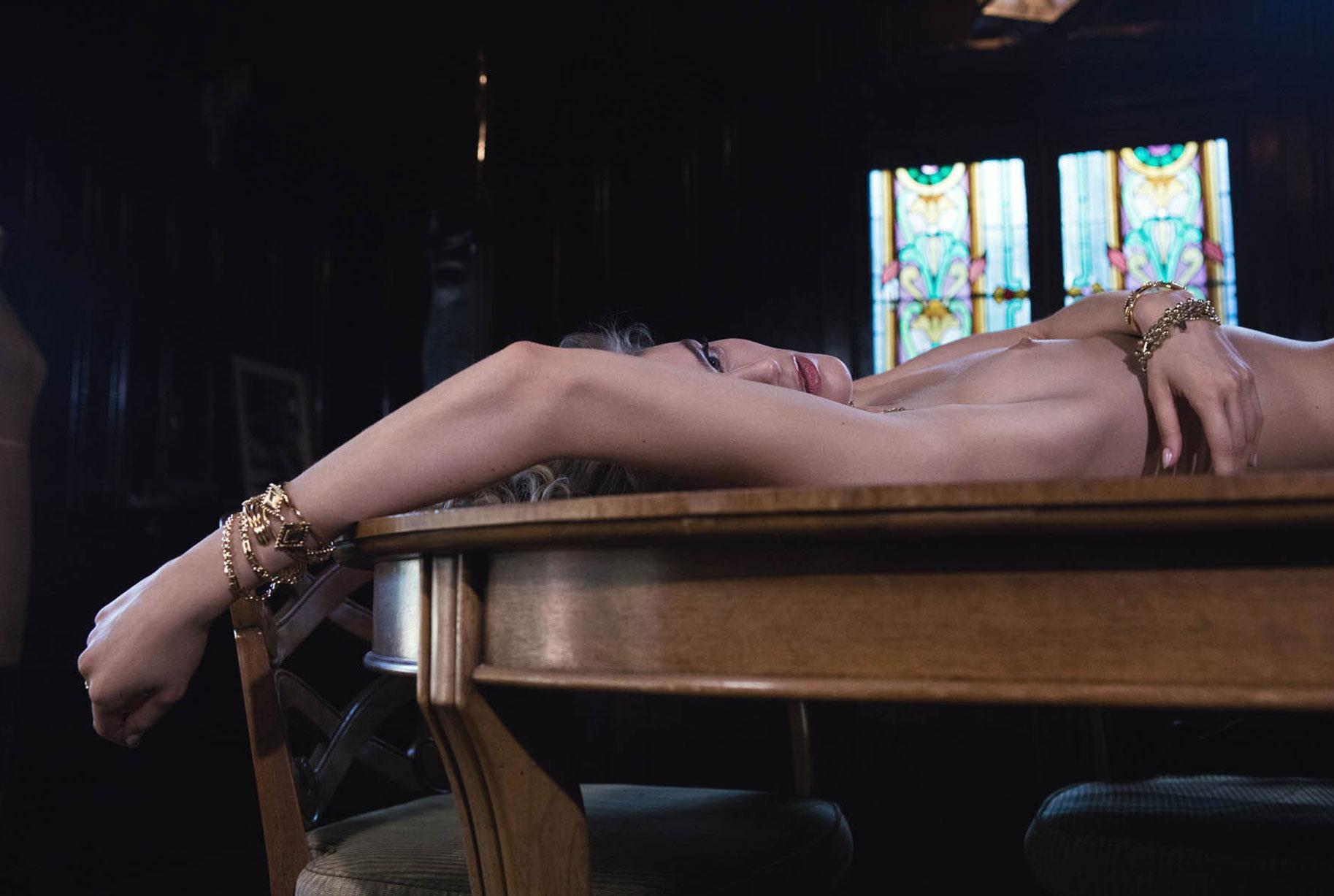 Жужу Иванюк в рекламной кампании одежды и драгоценностей модного бренда Vanessa Mooney / фото 14