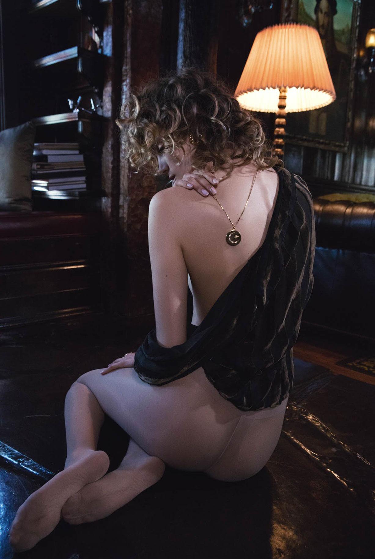 Жужу Иванюк в рекламной кампании одежды и драгоценностей модного бренда Vanessa Mooney / фото 15
