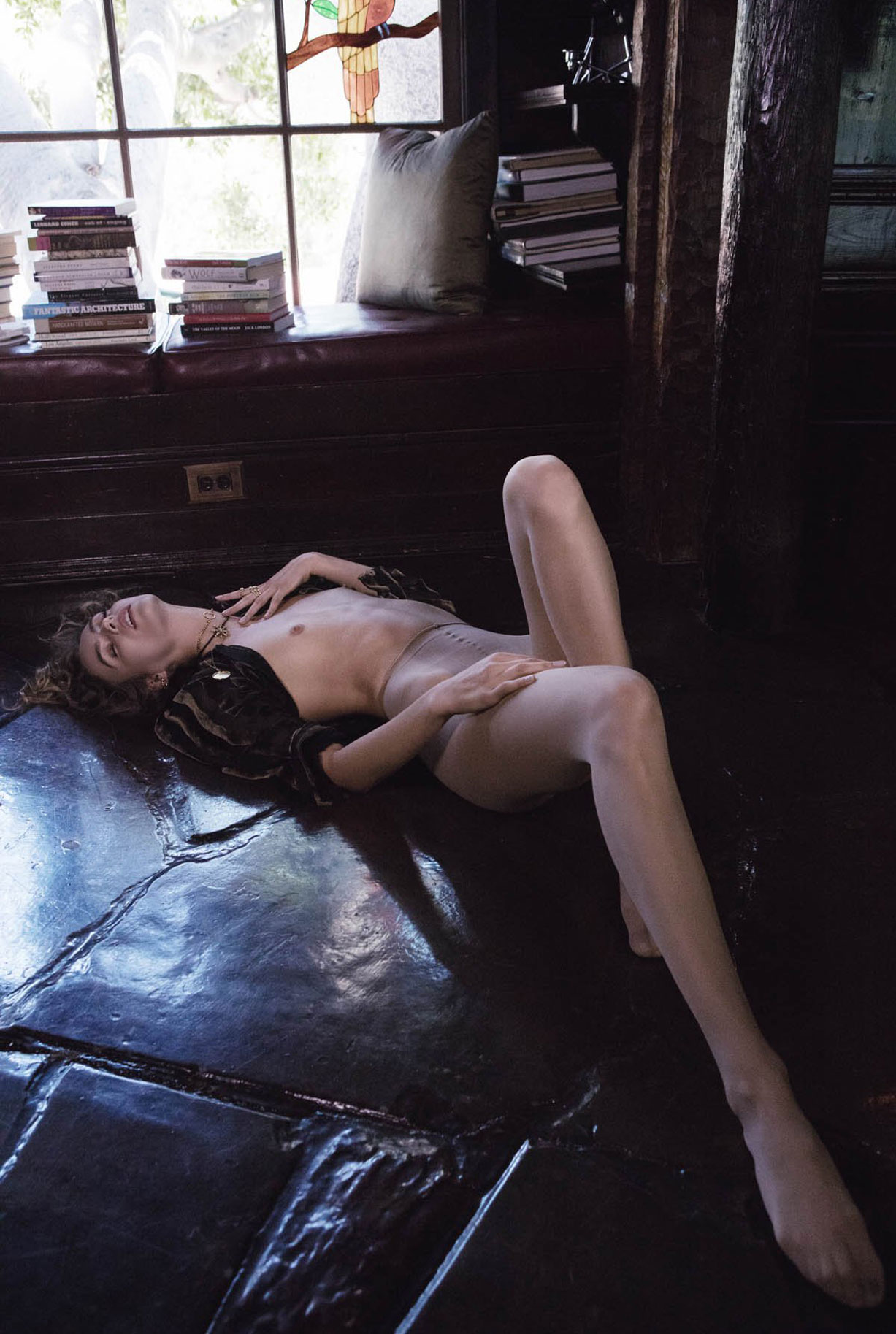 Жужу Иванюк в рекламной кампании одежды и драгоценностей модного бренда Vanessa Mooney / фото 16