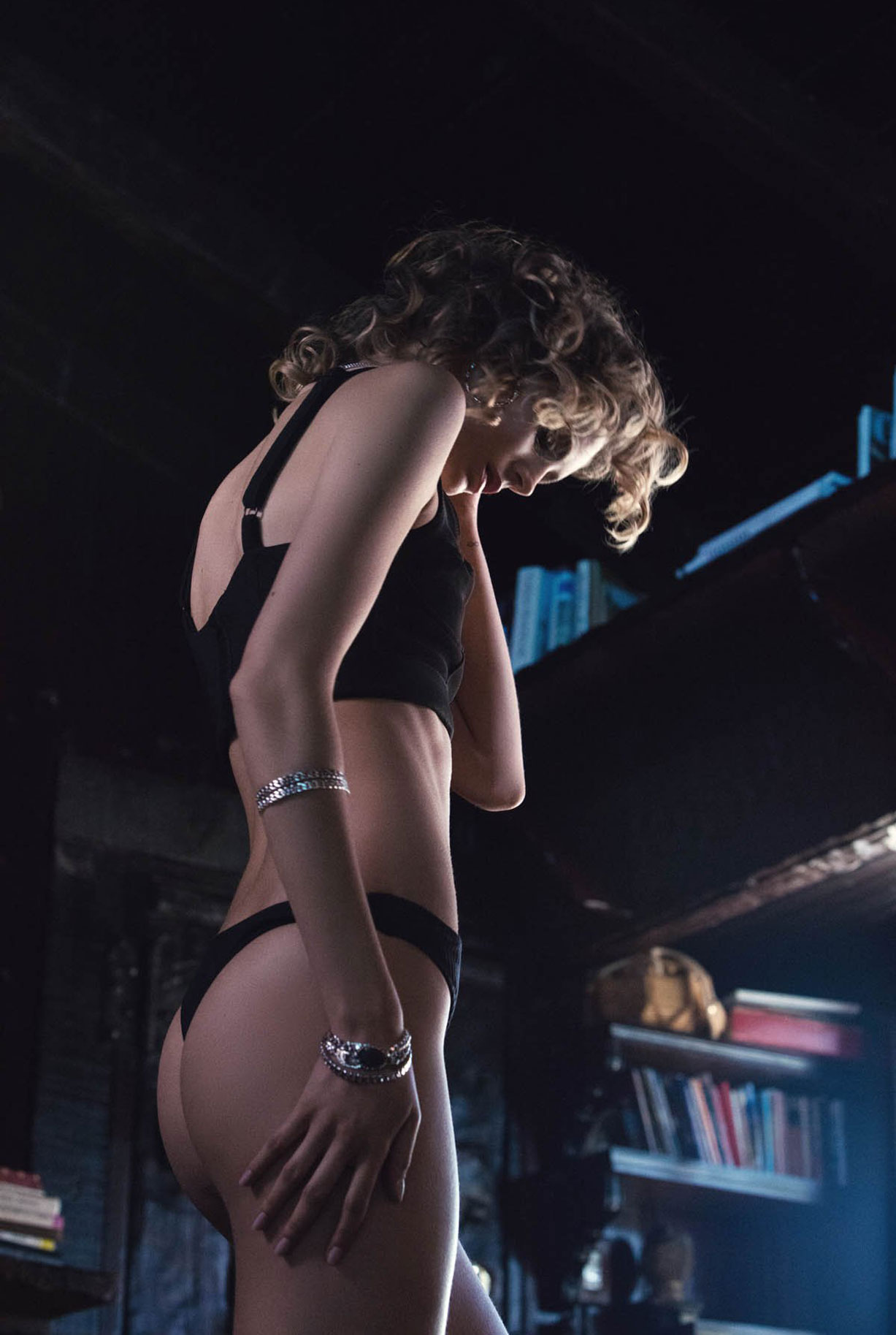 Жужу Иванюк в рекламной кампании одежды и драгоценностей модного бренда Vanessa Mooney / фото 18