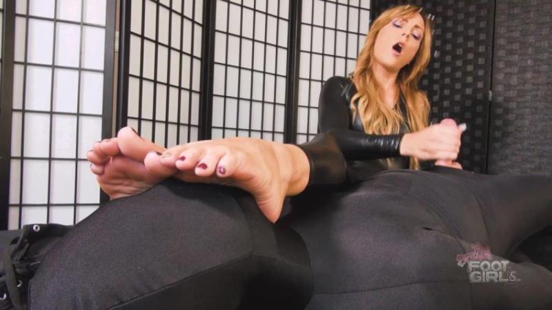 Bratty Foot Girls: Jenny Jett - Jenny Jetts Edging Feet in Face Handjob [FullHD 1080p] (473.08 Mb)