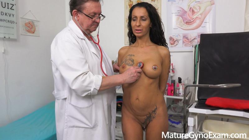 MatureGynoExam.com: Valentina Sierra - Kinky gyno exam and real orgasm of hot babe Valentina Sierra [FullHD 1080p] (1.01 Gb)