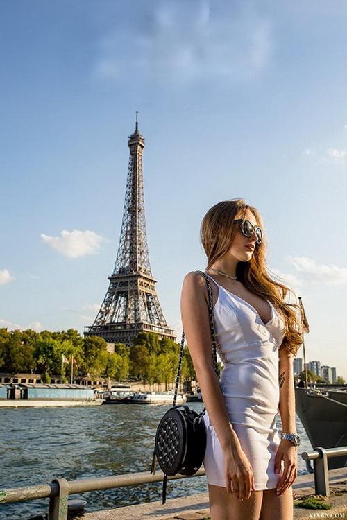 Vixen: Lena Reif, Erik Everhard - Grateful In Paris [HD 720p] (1.35 GB)