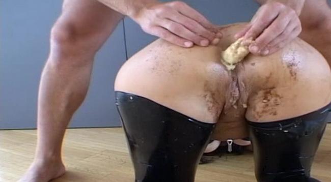 LatexAngel AKA Angelina ~ Banane et chantilly ~ Latexangel ~ HD 720p