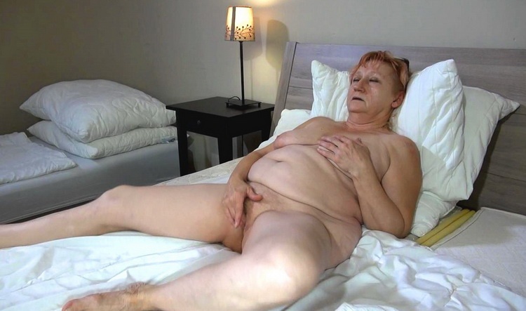Bernadett - Lesbian [HD 720p]