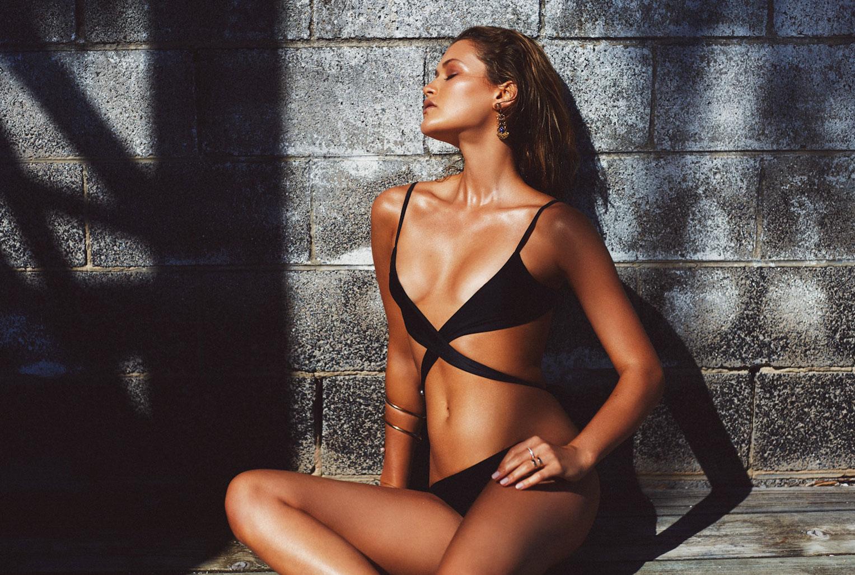летние развлечения в рекламной кампании купальников / фото 13