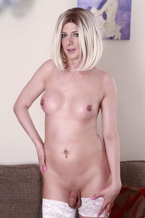 Sammi Valentine - sexy British escort gets fucked bareback (2021 Pure-TS.com) [FullHD   1080p  1.31 Gb]