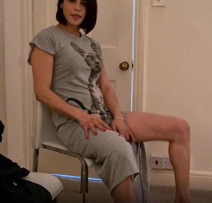 Carla Brasil - On Tuesday I post short (2021 OnlyFans.com) [FullHD   1080p  336.34 Mb]