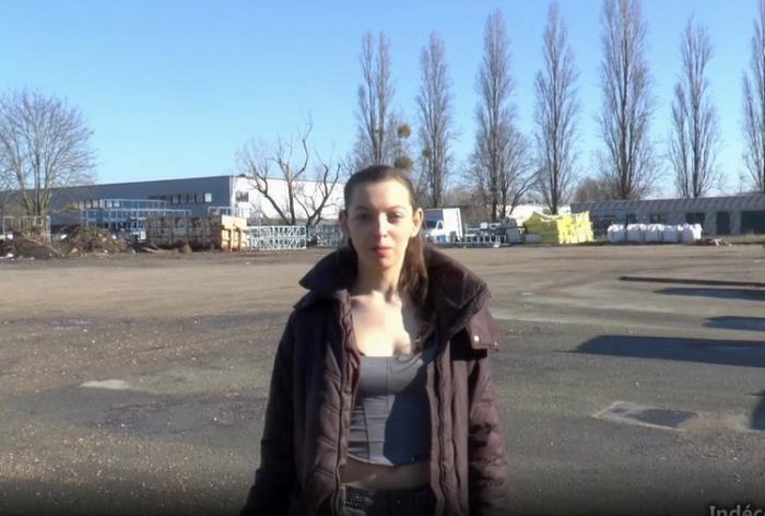 Charlotte - Nous retrouvons Charlotte, 19 ans, eleve modele en 1ere S dans un lycee de la region parisienne ! (2021 Indecentes-Voisines.com JacquieEtMichelTV.net) [HD   720p  935.37 Mb]