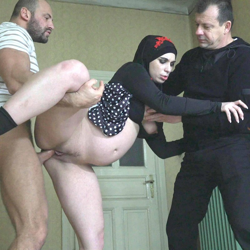 Jessica Red, MATT DARCO, ZORRO - PREGNANT MUSLIM WOMAN HAS SEX WITH FRIEND [FullHD/1080p/1.29 Gb] SexWithMuslims.com/PornCZ.com