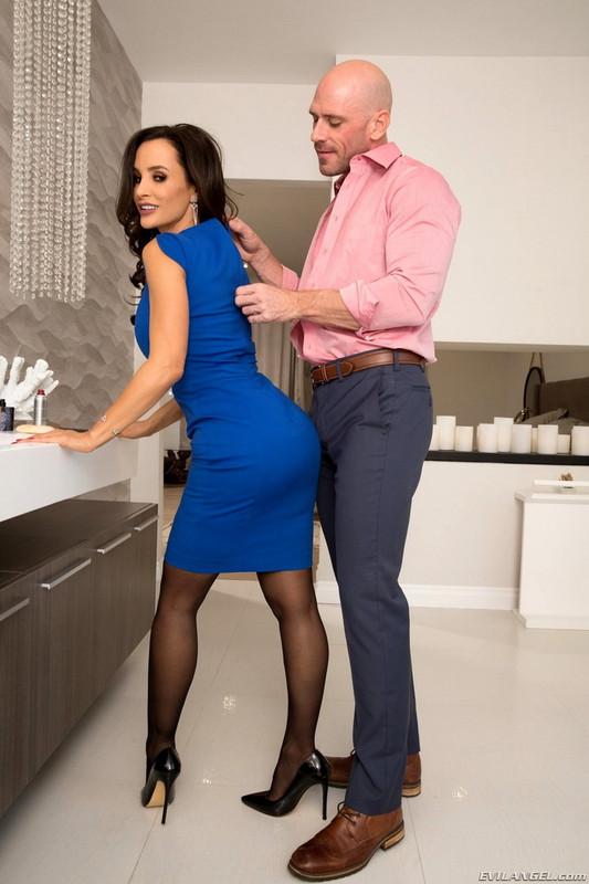 EvilAngel.com: How To Date Glam, Busty MILF Lisa Ann Starring: Lisa Ann