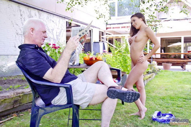 Oldje: Anita Berlusconi - I Am Young I Want Sex Anita Berlusconi [FullHD 1080p] (1.50 GB)
