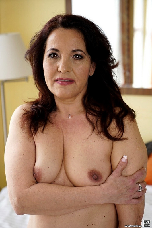Red Mary - Older Is Better (2021 Lusty Grandmas 21Sextreme 21Sextury.com) [FullHD   1080p  1.14 Gb]