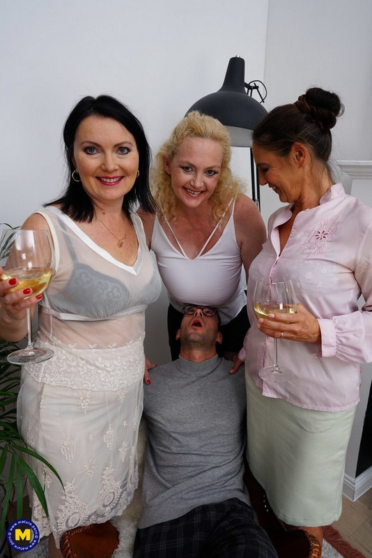 Emi (54) - Three mature sluts suck one cock, lick pussy, fuck and eat ass (2021 Mature.nl Mature.eu) [FullHD   1080p  2.29 Gb]