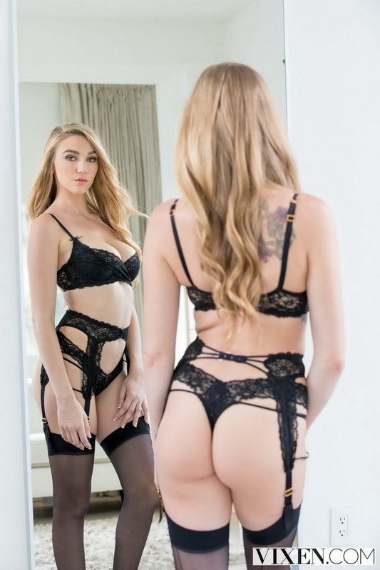 Vixen.com: Sexting Right In Front Of Them Starring: Kendra Sunderland