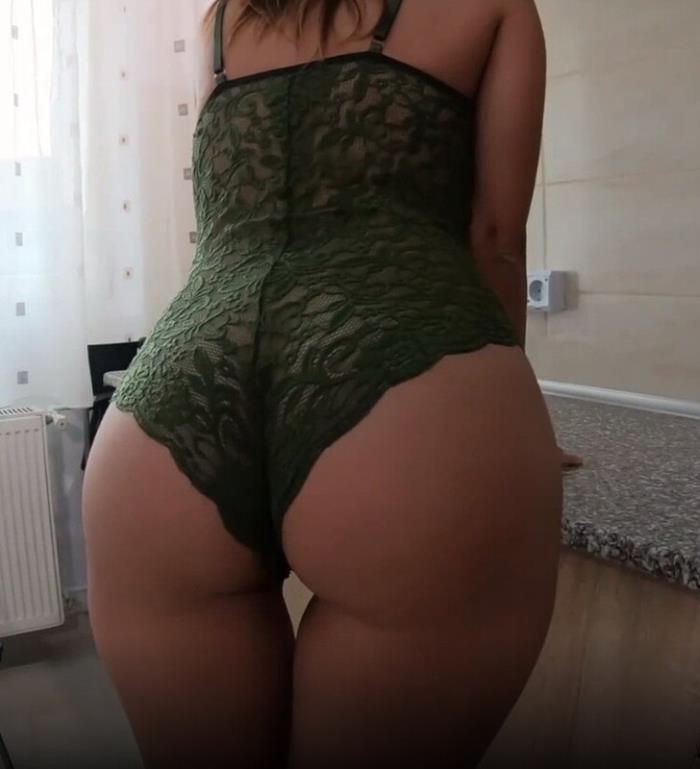 Sweet Bunny - College Girl Has Intense Squirting Orgasm (2021 SweetBunnyHub.com) [FullHD   1080p  531.92 Mb]