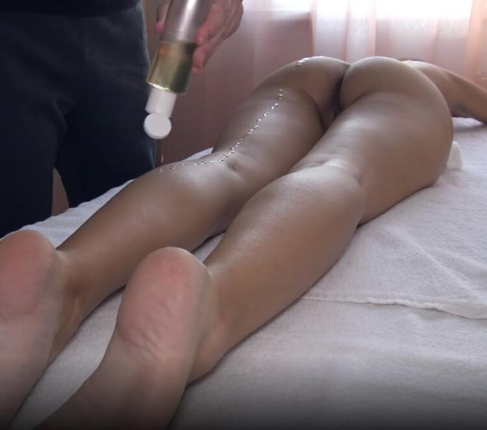 Sweet Bunny - Erotic Massage Ends With A First Time Squirt For Sexy Girlfriend (2021 SweetBunnyHub.com) [FullHD   1080p  939.52 Mb]