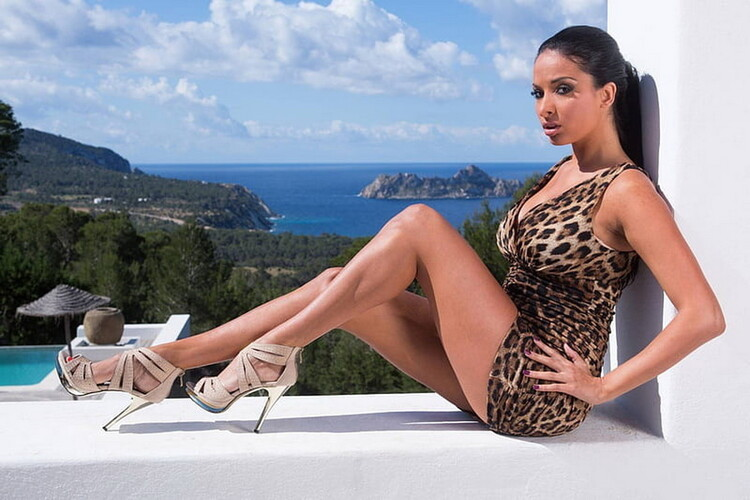 Private - Anissa Kate - Fashion Shoots And Money Shots [FullHD 1080p]