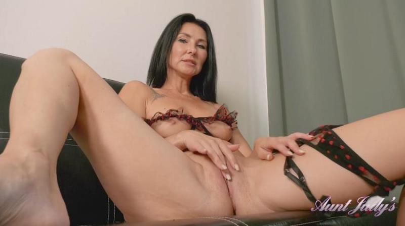 AuntJudys.com - Eva - Eva Takes A Break From Reading to Masturbate For You (1080p/FullHD)