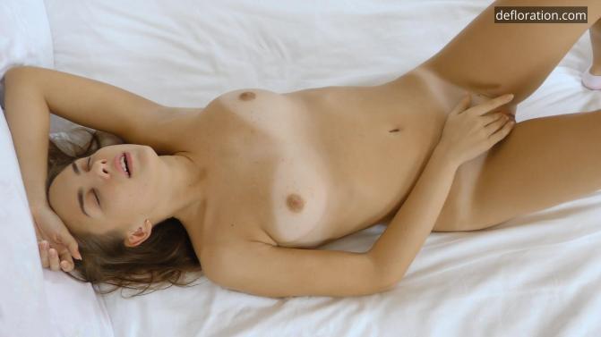 Defloration.com - Litonya Kincs aka Terry Bliss - Virgin Masturbation (1080p/FullHD)
