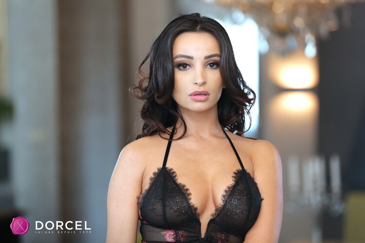 DorcelClub - Alyssia Kent, Lana Roy - Lana And Alyssias Hot Desk [FullHD 1080p]
