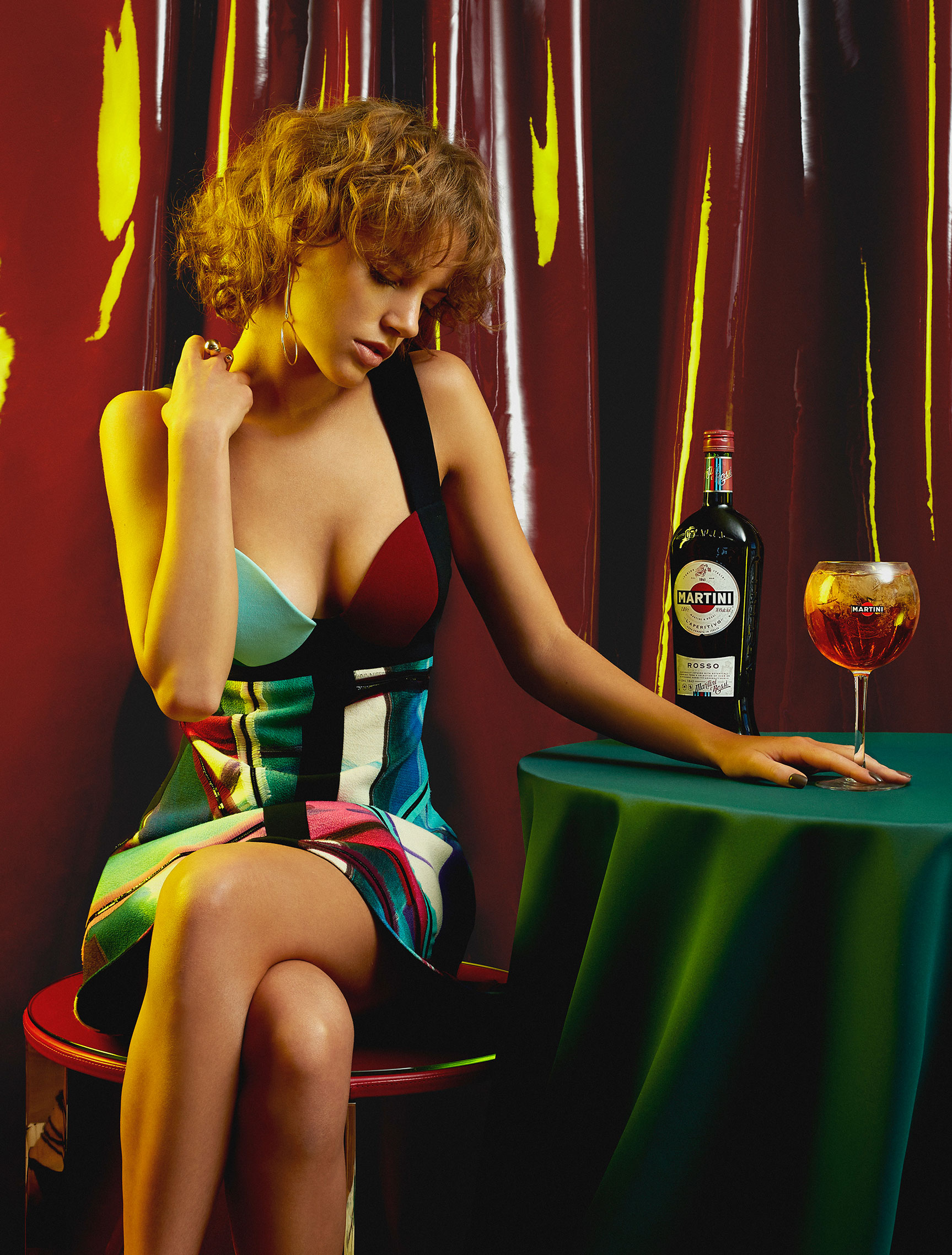 Пьем мартини вместе с красивой девушкой / фото 01