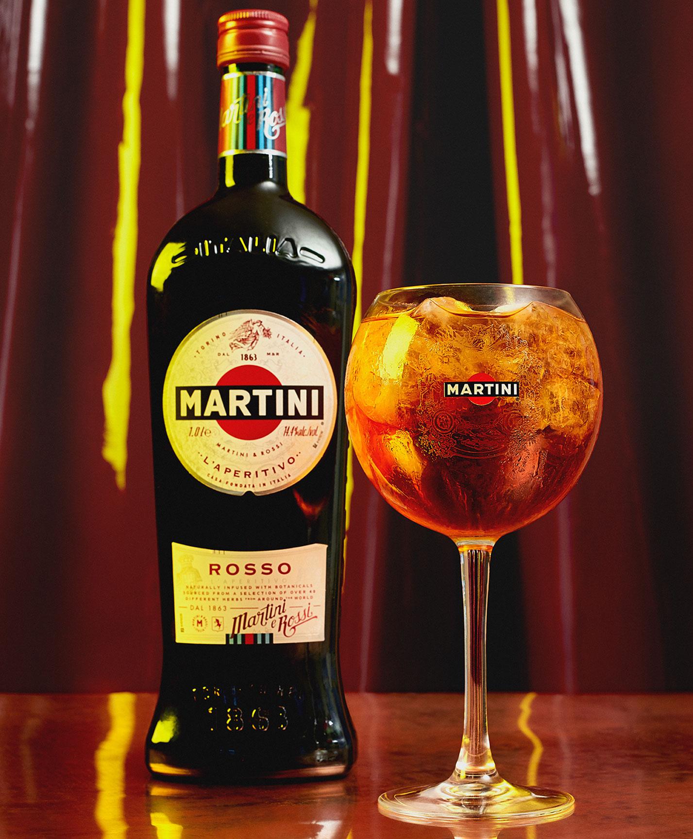 Пьем мартини вместе с красивой девушкой / фото 04