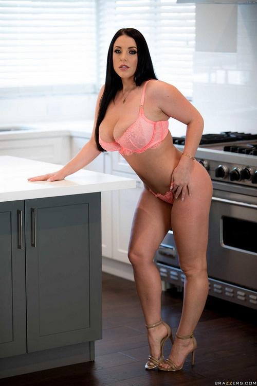 [BigWetButts/Brazzers] - Angela White - Pounding Her Pantyhose (2021 / HD 720p)