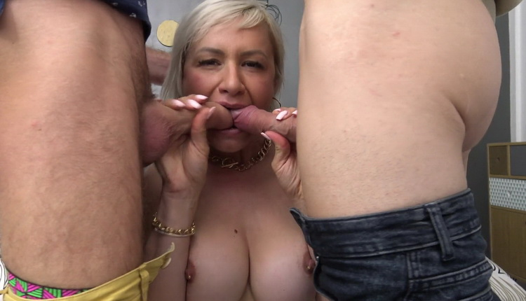 [JacquieEtMichelTV/Indecentes-Voisines] - Kim - Colorful With Kim, 41 Years Old (2021 / FullHD 1080p)