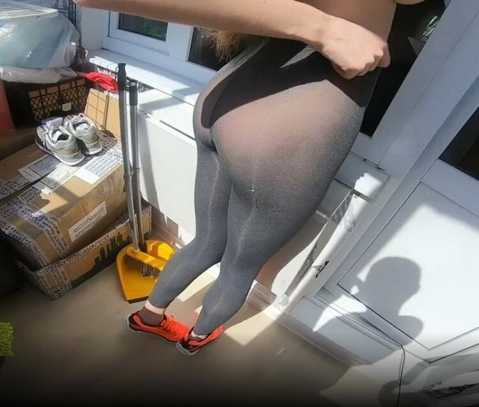 Onlyfans.com: Sporty bitch Sonya spreads legs on the balcony in front of her boyfriend Starring: Slim Sonya