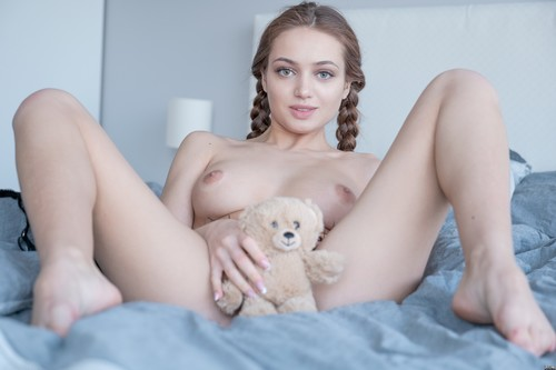 Plushies.tv: Angelina - Angely Grace, Sophy Angel [FullHD 1080p] (603.67 Mb)
