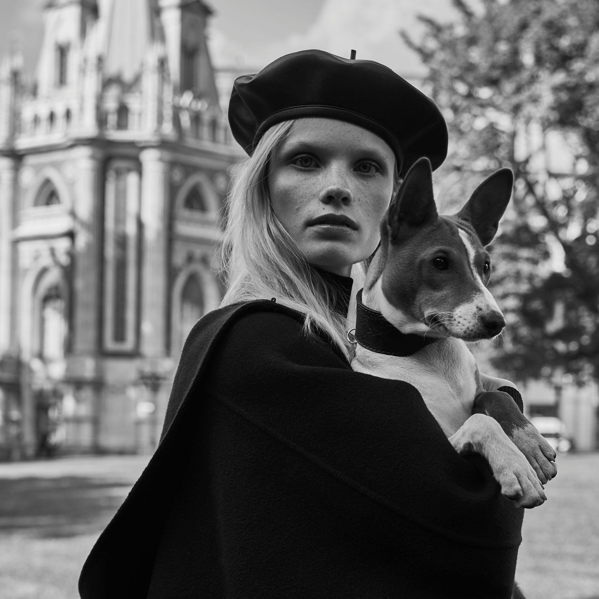 Полина Оганичева демонстрирует модные тренды осени / фото 01
