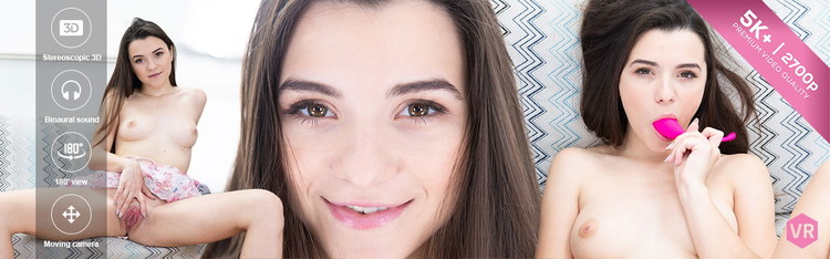 Hayli Sanders - Raven Haired Beauty (VRIntimacy/UltraHD 2K) - Flashbit
